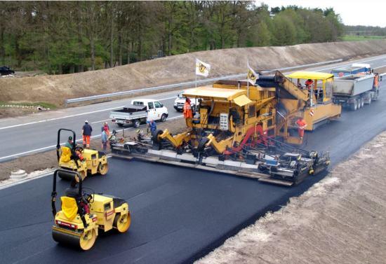 proceso de construcción de carreteras pavimentación