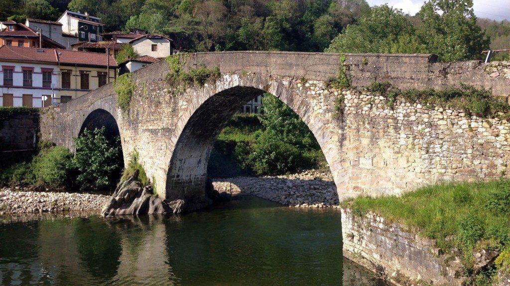 Ejemplo de Puente de Arco